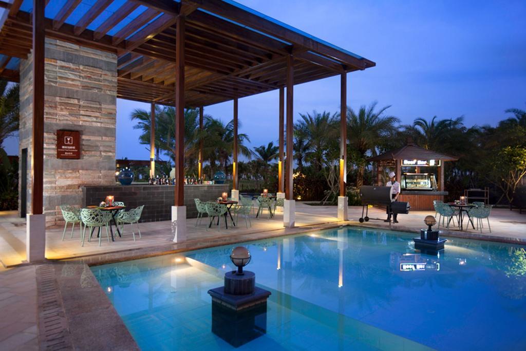 Aloha Oceanfront Suite Resort _9