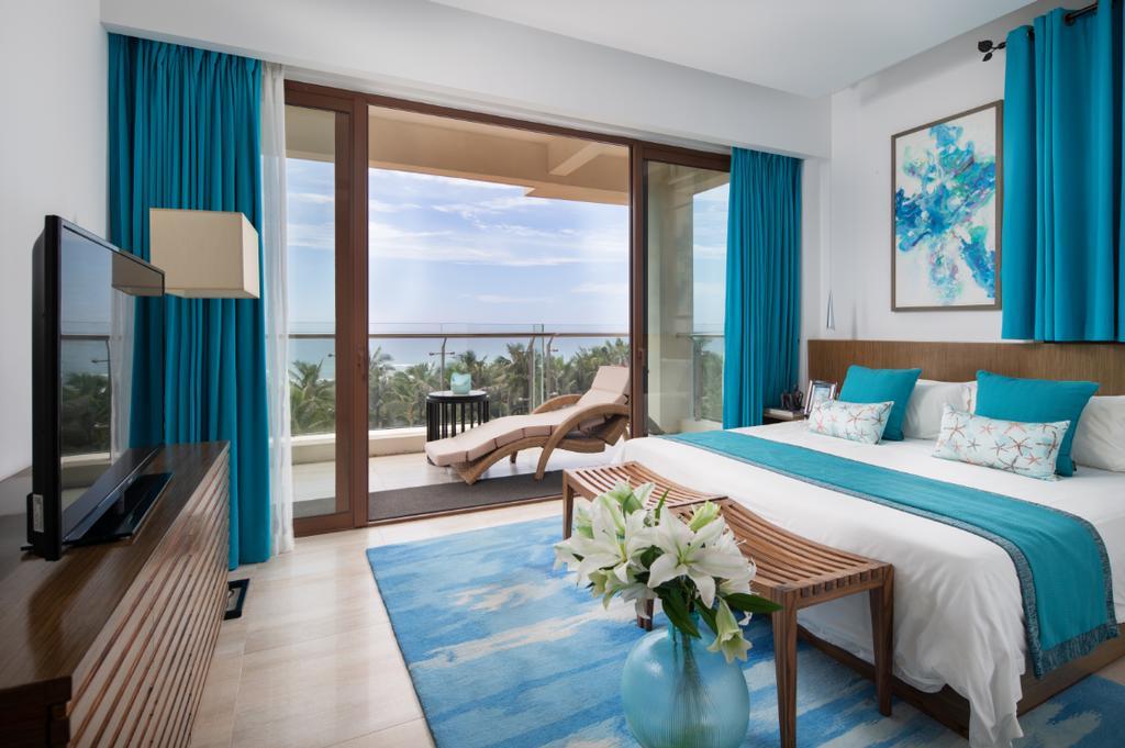 Aloha Oceanfront Suite Resort _12