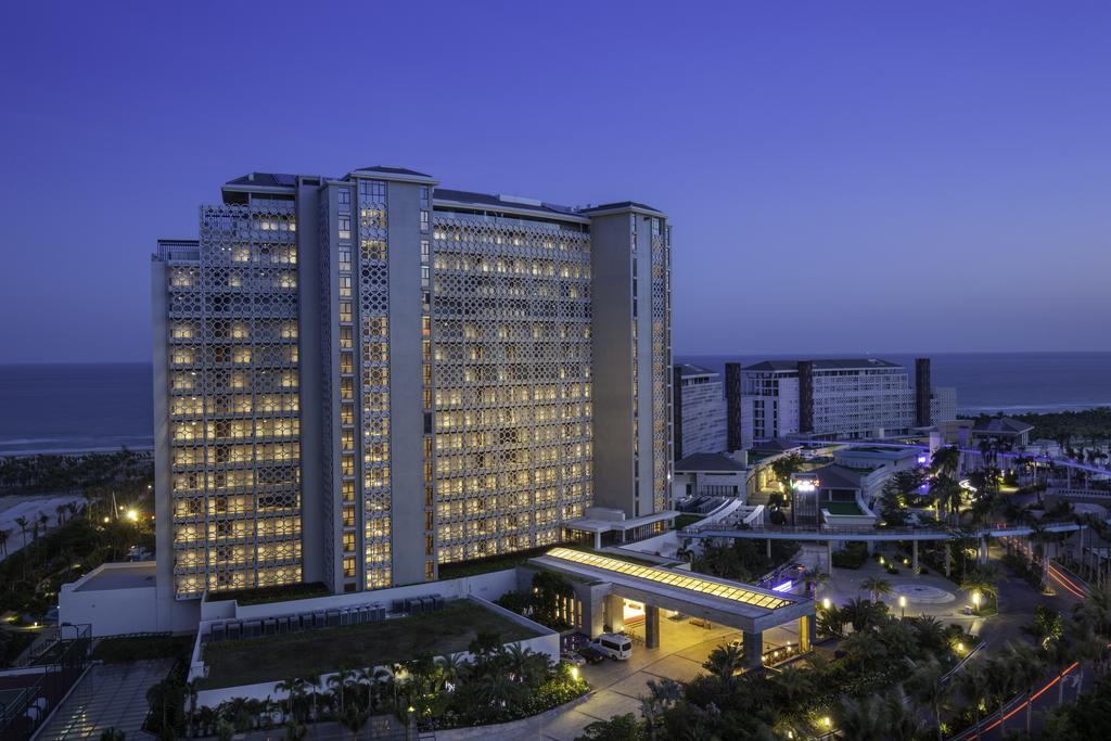 Aloha Oceanfront Suite Resort _13