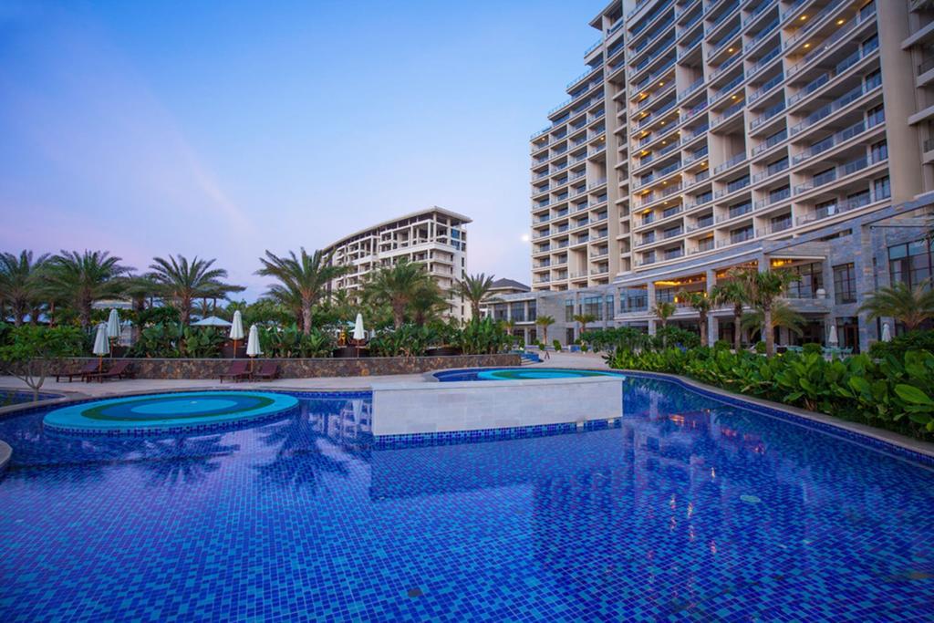 Aloha Oceanfront Suite Resort _1