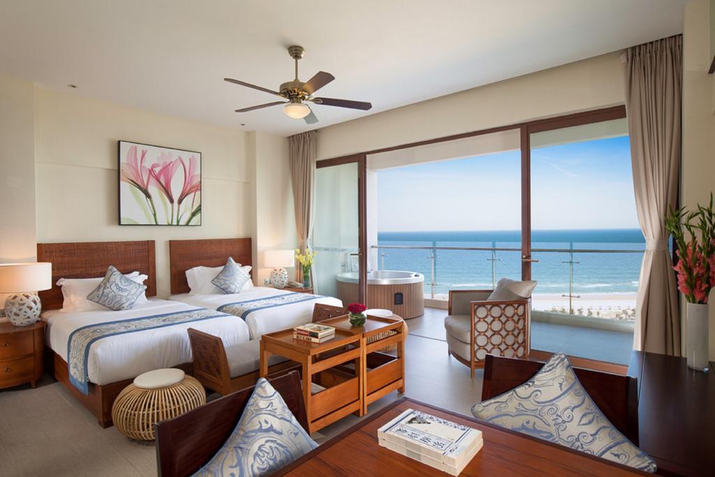 Aloha Oceanfront Suite Resort _8
